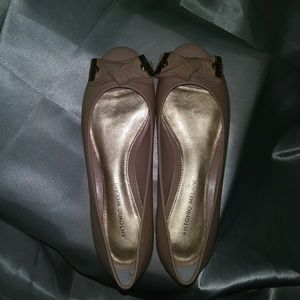 Antonio Melani Flats with Toe Cut Out Tan Gold